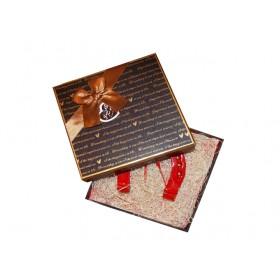 Подарък за Свети Валентин - червена подкова в кутия